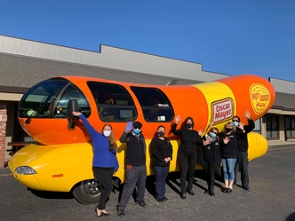 Oscar Mayer Wienermobile Delivers Meals for MOWSV